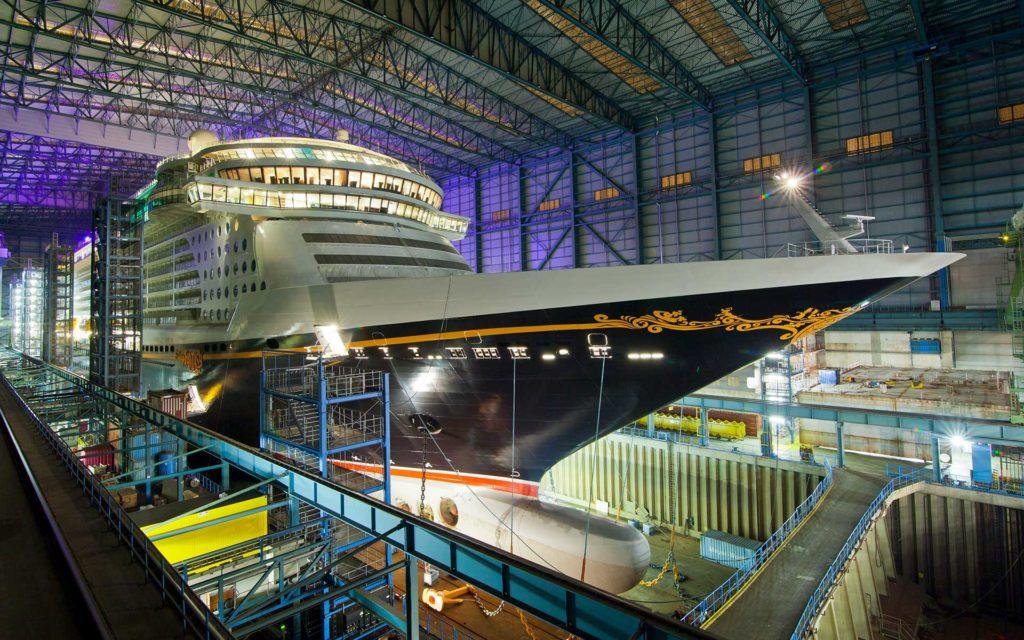 2012 entstand zuletzt ein Schiff für Disney Cruise Line auf der MEYER WERFT: Die Disney Fantasy. Foto: Michael Wessels, Meyer Werft