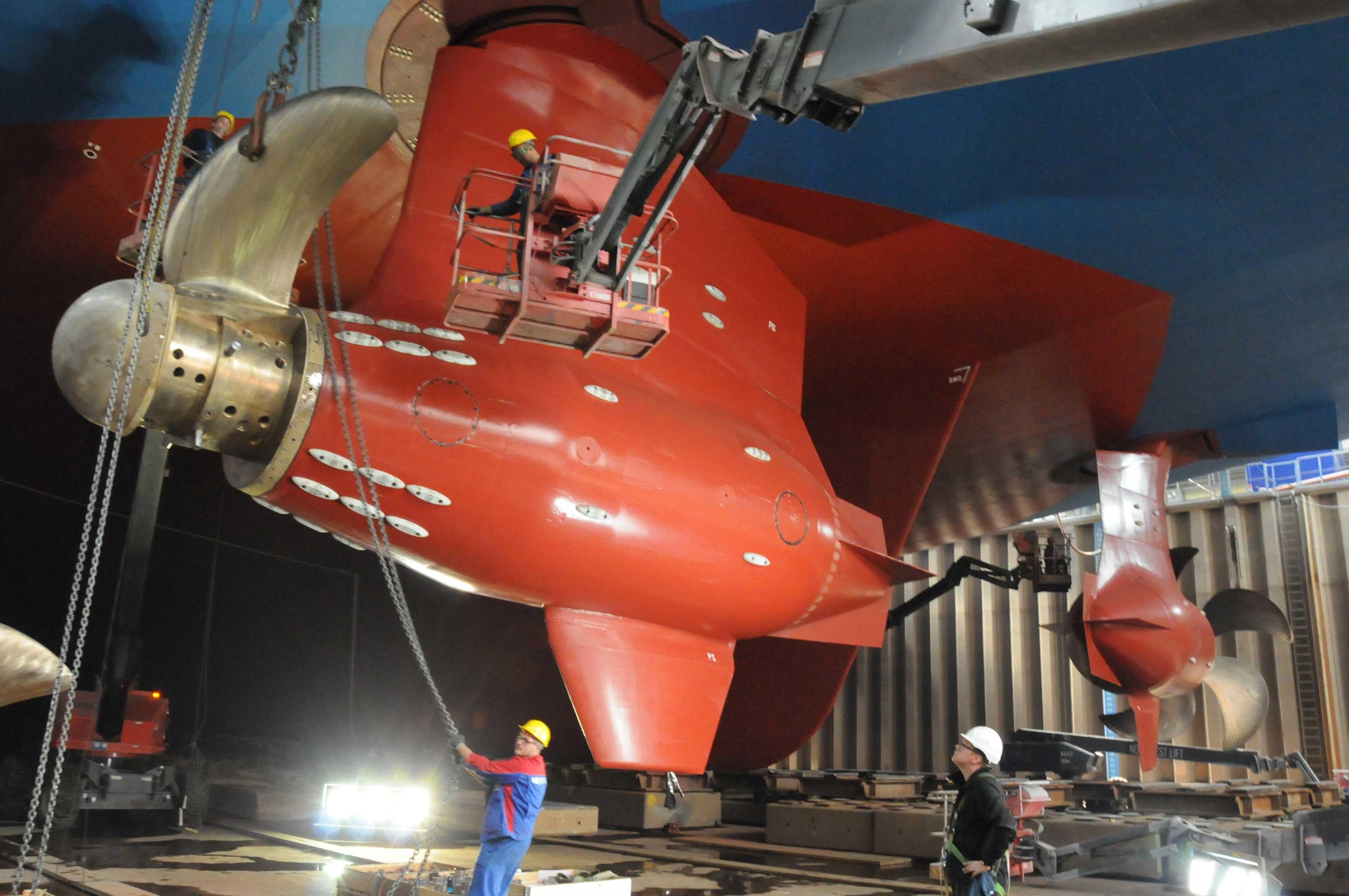 Azipod Montage Baudock Meyer Werft