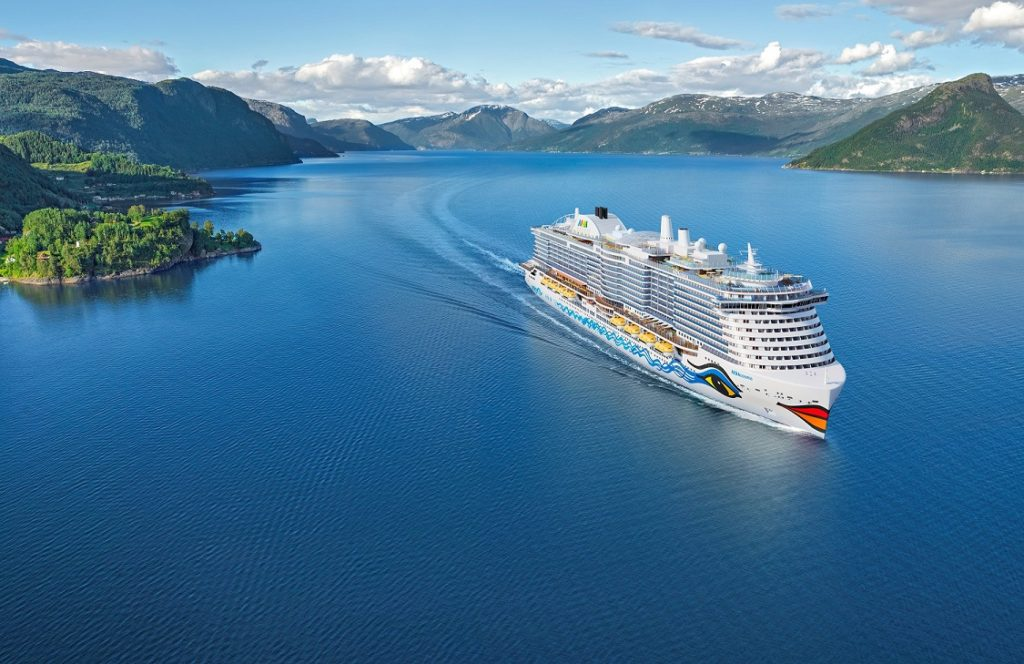 AIDAcosma fährt ab Frühjahr 2021 durch die norwegischen Fjorde. Grafik: AIDA Cruises